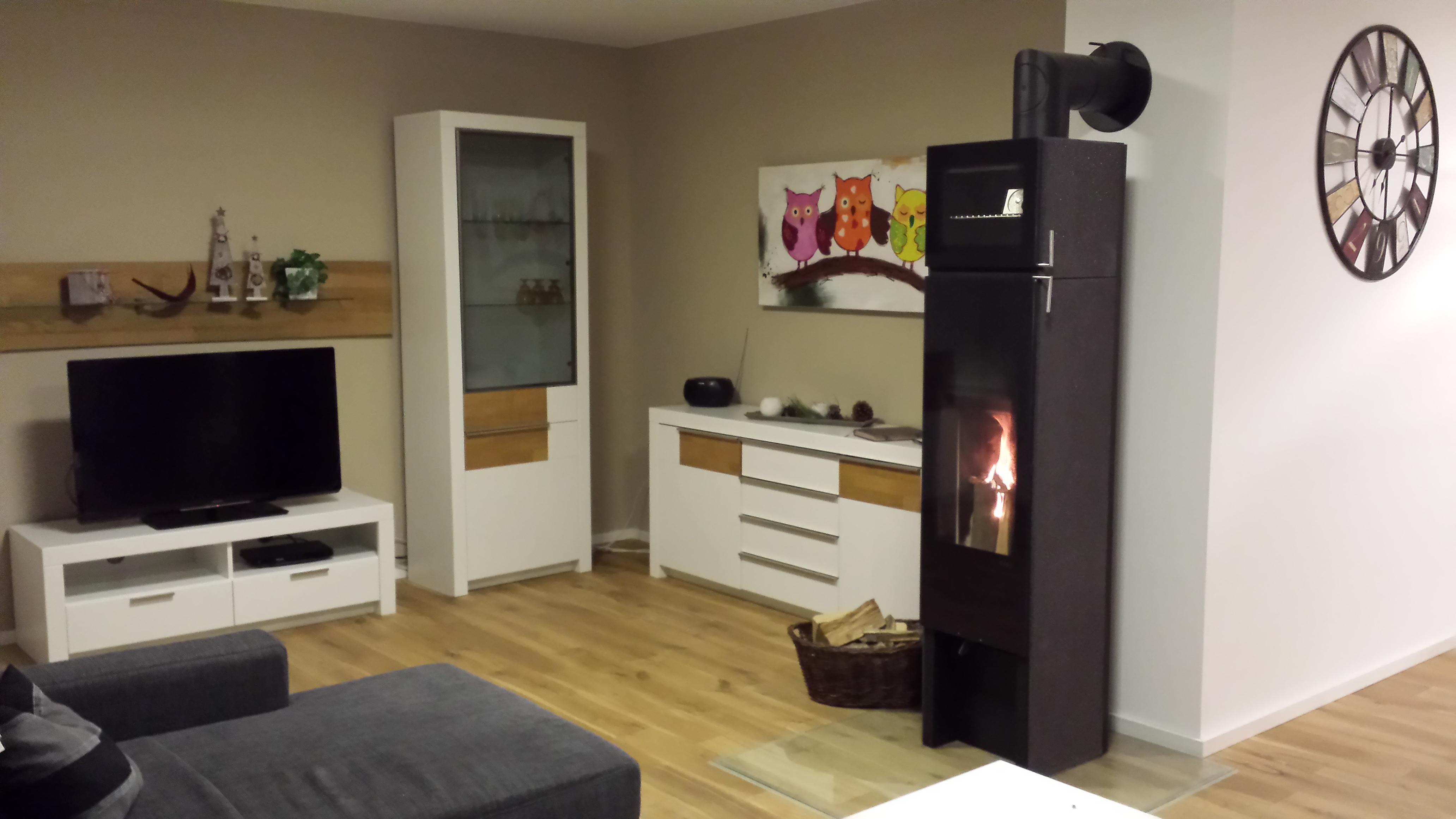 ofen wohnzimmer wohnzimmer mit ofen with ofen wohnzimmer. Black Bedroom Furniture Sets. Home Design Ideas
